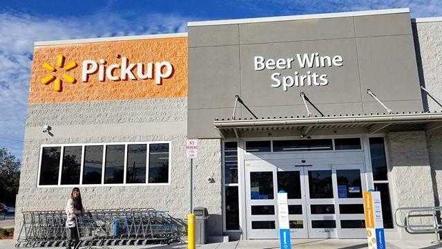 How AMAZING is it that Walmart in Florida has a separate store next door for wine & spirits? 😀 #Pandasadventures