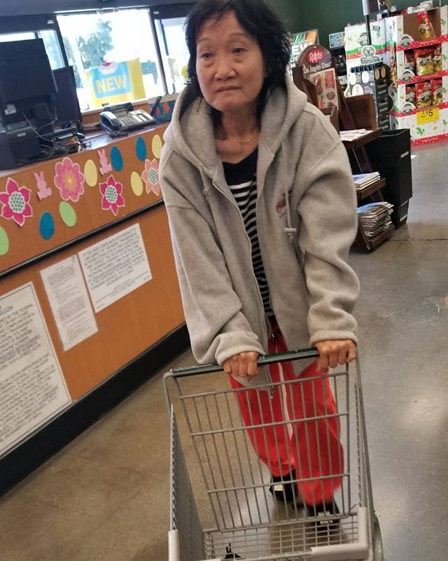 Took the old lady out, she finally felt well enough to be seen out in public. Making her rare appearance!  I convinced her to get a cart her size,  she pushed it all around Ralphs. Lucky  lady, even got a massage♀️ and icecream for being a good chink! #Pandasadventures #mommyandme
