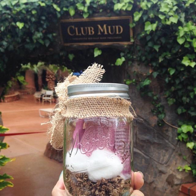 Yep paying to have mud  splattered all over me #clubmud #lindaandkris thx Thuy!