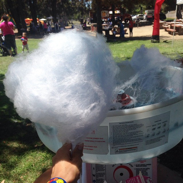 You see  that #cottoncandy in the background..I ate that too!