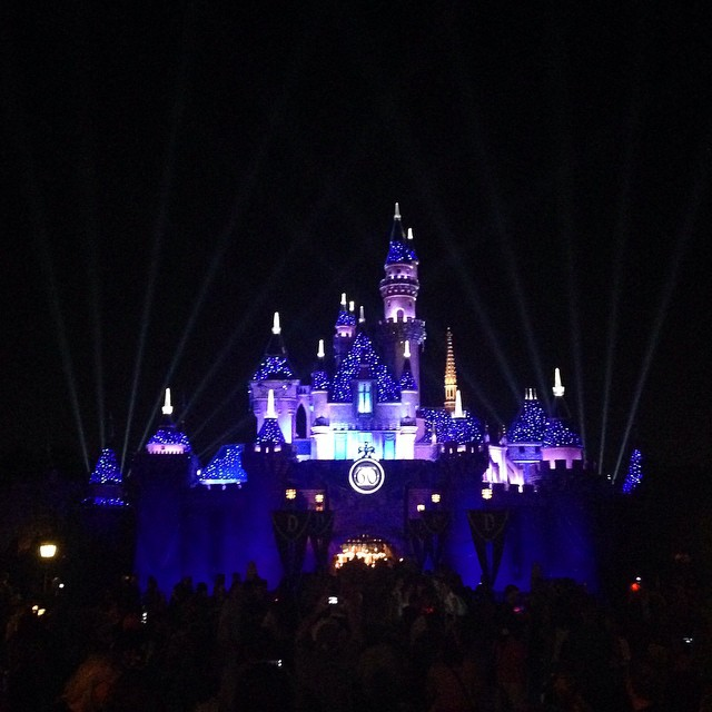 The lights  on the castle are truly magical🔆