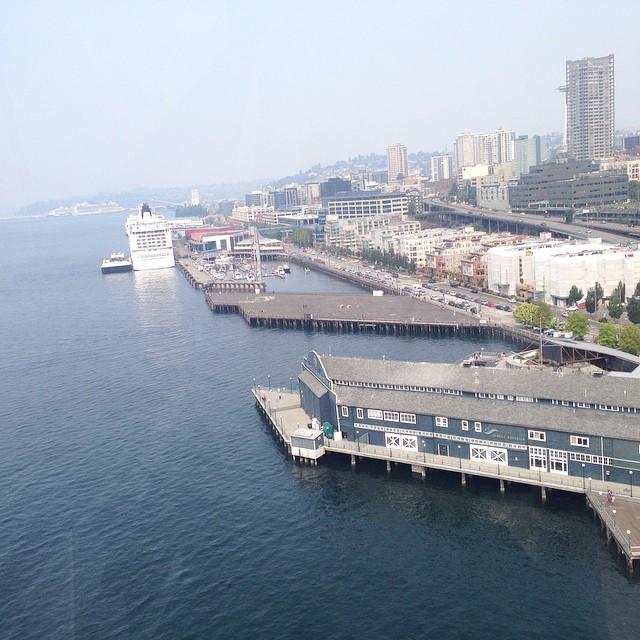 Seattle on the waterfront, yeah boy! #flomanda ️🚣🚁