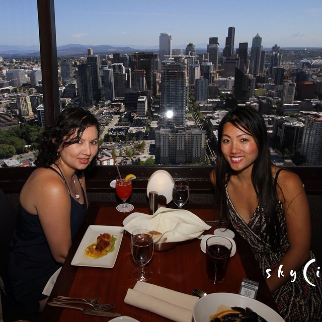Cha know, eating while it rotates 50 floors up with a view of #seattle #flomanda 👭