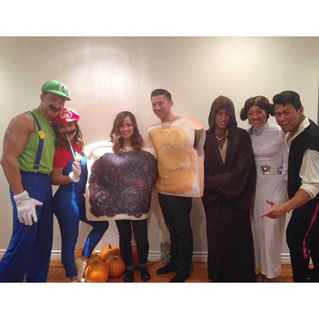 We are definitely ready for Halloween ! @jinnjuicz @peet_fit @lindaaacruzzz @junceklam @swayray @kcruz777