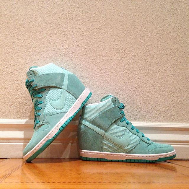 These are the cutest #nike dunks I found and adore, thx @swayray