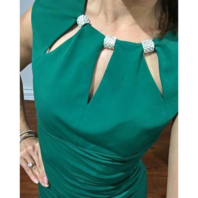 Loving the cutout designs on this #elizaj #dress 🏽