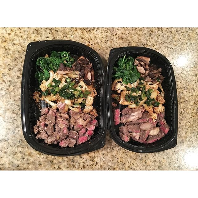 My attempt at #mealprep .. I think I am a little off with my portions. My fat girl mentality got the worst out of me. 🏽