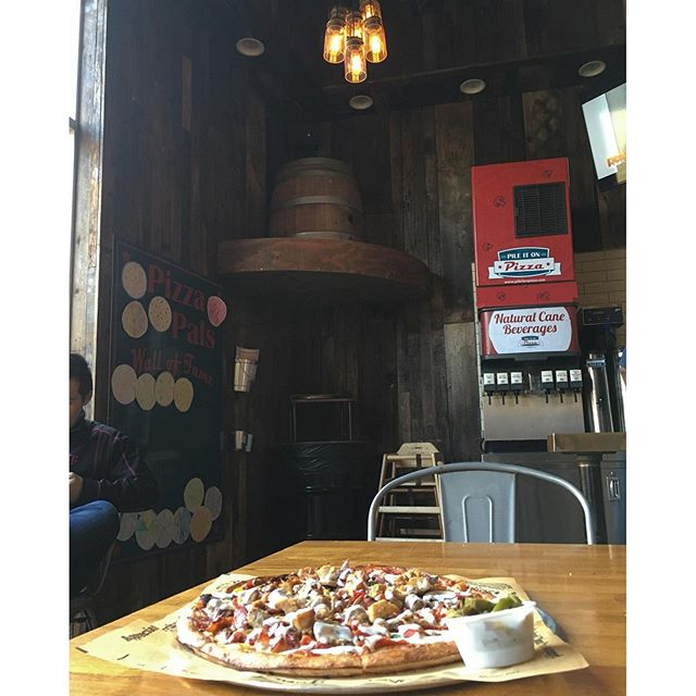 Pizza pizza!!  Thx @lindaaacruzzz @kcruz777