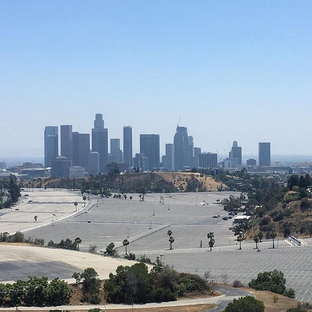 I bet most of the folks in those buildings are off work. Only exception is if you work at a Chinese place or store. Can you see Dodgers Stadium? Looks so small. 🏙️ #Dtla