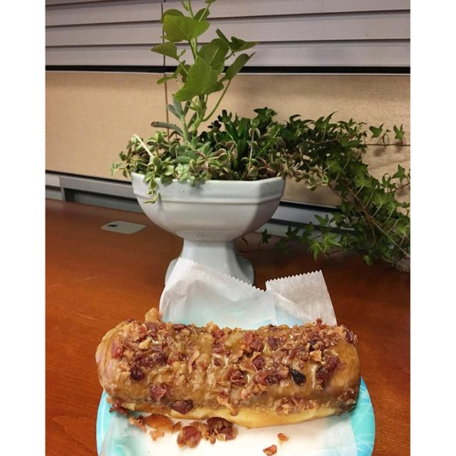I started my day right today. My other favorite boss brought me some pretty garden plants and my other cool coworker got me a bacon maple donut!!  Imma be fat one day... Thx @mr_j_mccabe
