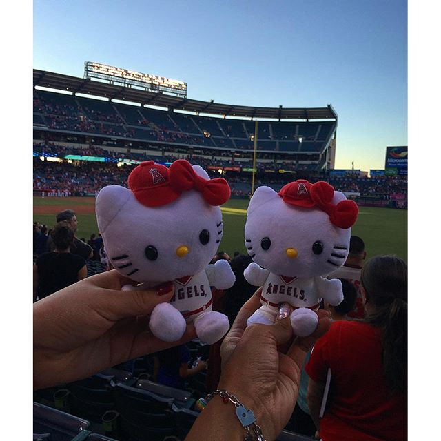 Such cuteness the things we endure for #hellokitty Angels ️.. Too bad some Devils came to watch the game all turnt! Ahem! When you and you're bestie get trashed together #yolo #glockahoe @flowerdmr 😶