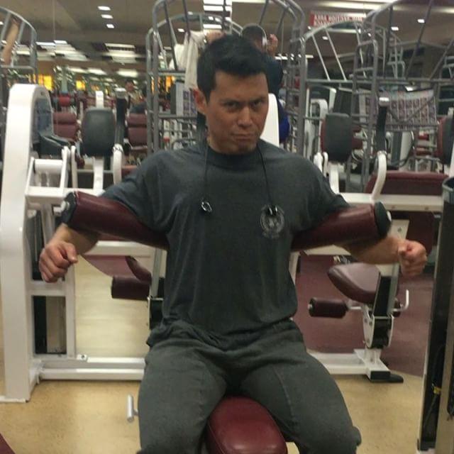 Ab Workout is serious business! #pandasadventures #rayspiration 🏋🏽🏼🏋🏽🏼