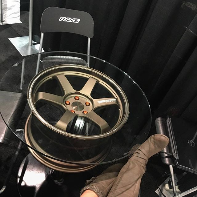 I found our new mini outdoor dining table! @swayray #rayswheels #sema #pandasadventures 🏎🏽