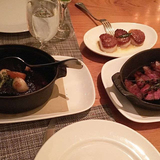 Was so excited last night I got to experience CRAFT for the first time. A great experience trying out the small amounts of fancy foods, snacks and drinks they offer. I don't need to ever come back again unless someone wants to take me I won't complain!  //Short ribs, flanks steak and scallops// Feeling VERY appreciated thanks boss lady!! #foodie #pandasadventures