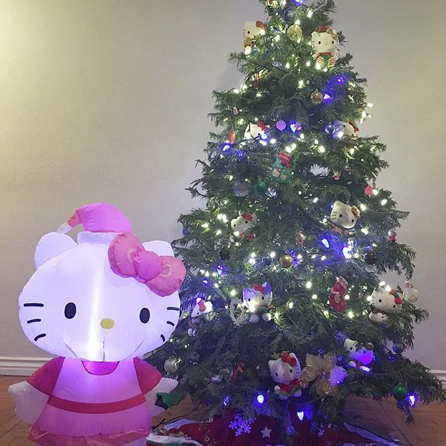 My #hellokitty #christmas ! 🐈🏼🏻 Thanks @junceklam @swayray #pandasadventures