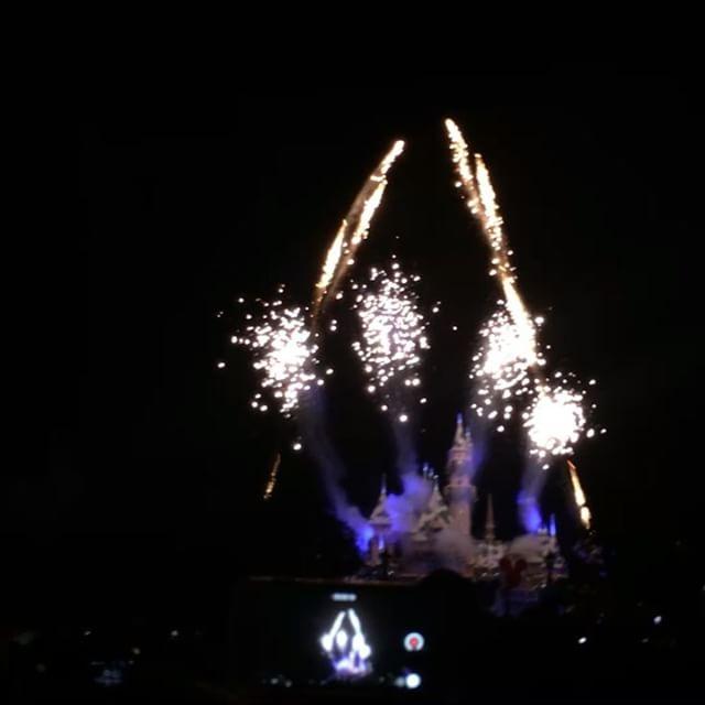 🏼️ #Christmas #fireworks #pandasadventures