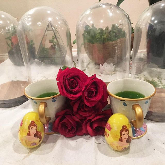 Working on our beauty and the beast crafting and drinking skills! #beautyandthebeast #princess #pandasadventures 🏽 @flowerdmr