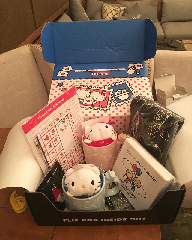 Got my #sanrio #lootcrate this weekend and I am pretty disappointed. I wish most it this one had #hellokitty items like the 1st lootcrate! Hopefully the 3rd one is the charm! 🐈 #pandasadventures