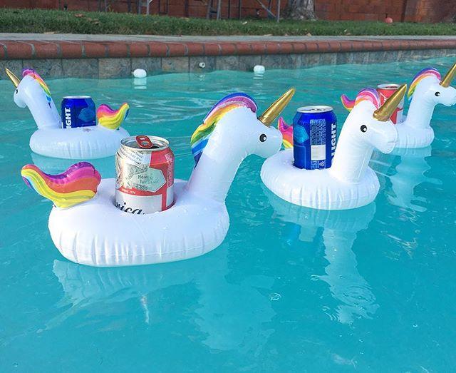 Unicorn 🦄🦄🦄🦄 poolside drink service! #pandasadventures