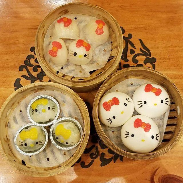 The cutest #hellokitty dim sum items! NOMNOM! #pandasadventures