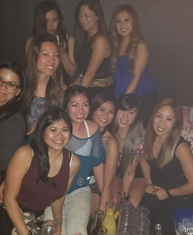 I forgot who took our group pic but wtf way to tell us to our alignment was all off. Me with my hello kitty asian gang, jk we aren't a gang...not yet! Always a narly time with these ladies, the last concert of 2017! 👭👭👭👭👭 #Pandasadventures