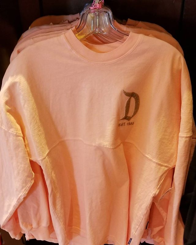 I am so ecstatic the rose gold Disneyland tshirt jerseys are back in stock. OMFG.and my Vicks cough meds are kicking in. Yipppeeee! @flowerdmr 👭